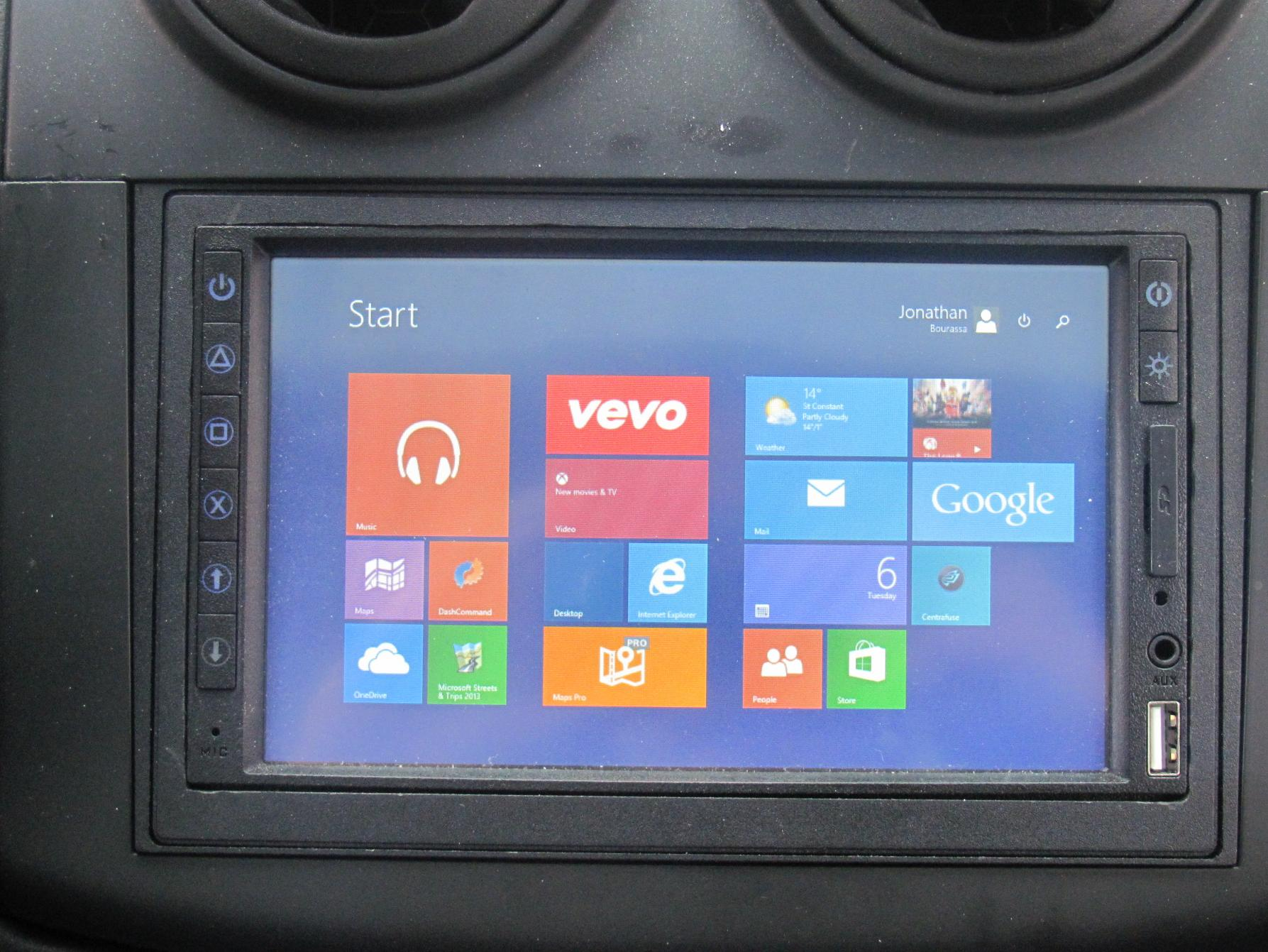 Windows 8 1 car pc replacing the head unit for 2 window in 1 pc