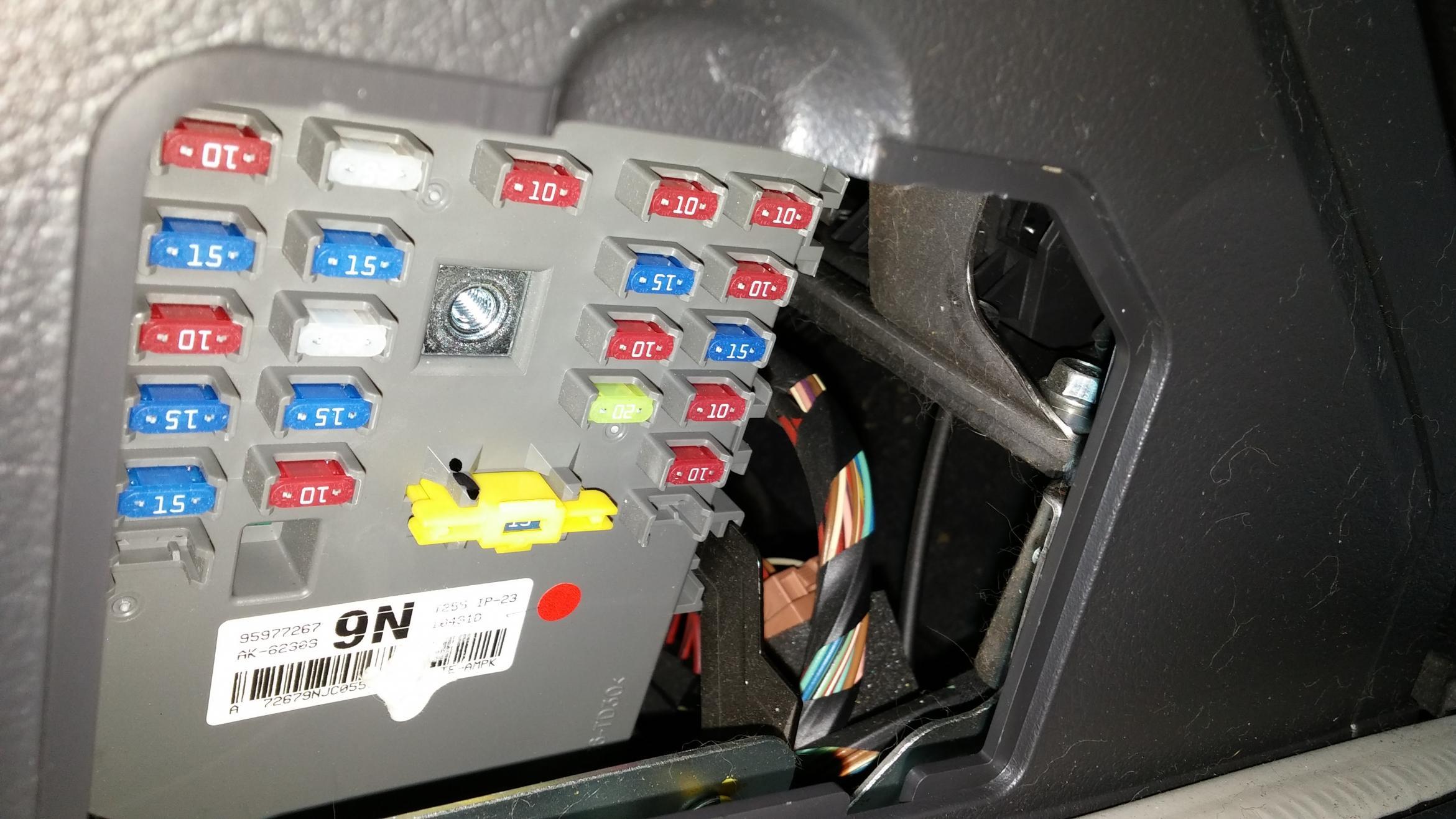 2009 PONTIAC G3 CLOCK NEW GM # 96945861