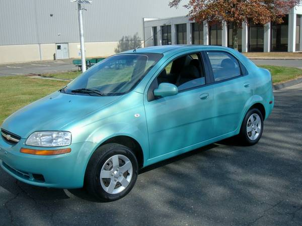 2005 chevrolet aveo ls low miles 2900 new haven. Black Bedroom Furniture Sets. Home Design Ideas